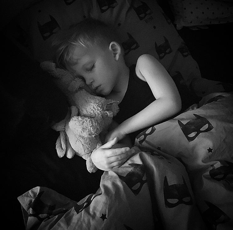 At sove sammen med sit barn eller ikke…