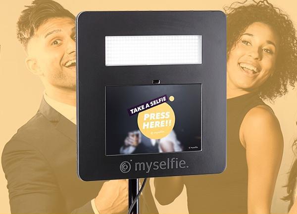 få 10% rabat på din myselfie photobooth hvis du booker via knappen på myselfie's profil hos Kvinderudenfilter.dk
